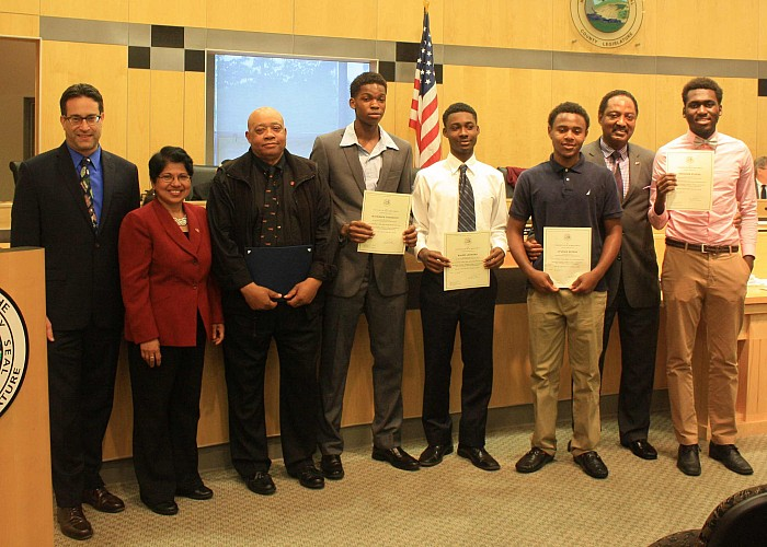 Legislator Earl Congratulates SVHS Boys Basketball Team - 05/19/15